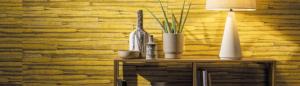 Holzvertäfelung in Gelb an einer Wand
